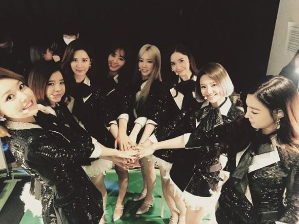 snsd-group-picture-kobe-concert-2